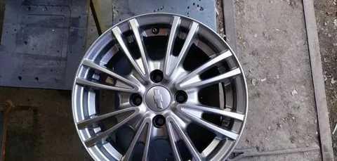 Диски и шины для Chevrolet Aveo (Шевроле Авео) 2010, разболтовка, размеры шин, давление