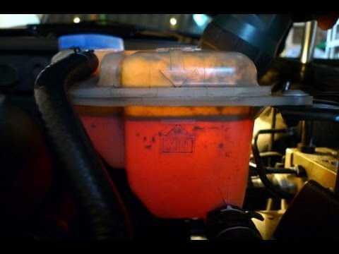 Если автомобильное масло в антифризе (причина): фото- и видеообзор