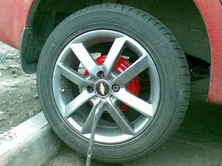 Замена заднего тормозного цилиндра на Chevrolet Aveo и окраска дисков