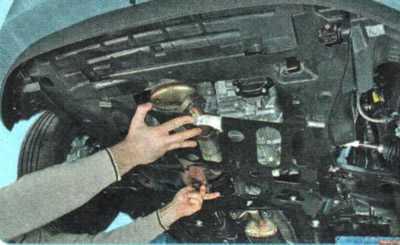 Замена масла в АКПП Шевроле Авео Т300: Видео инструкция. Объем масла.