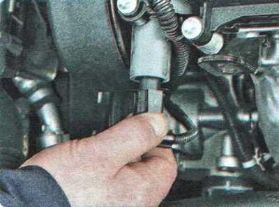 Руководство по ремонту Chevrolet Aveo (Шевроле Авео) 2003-2008 г.в. 2.6.2 Разборка и сборка нижней части двигателя  