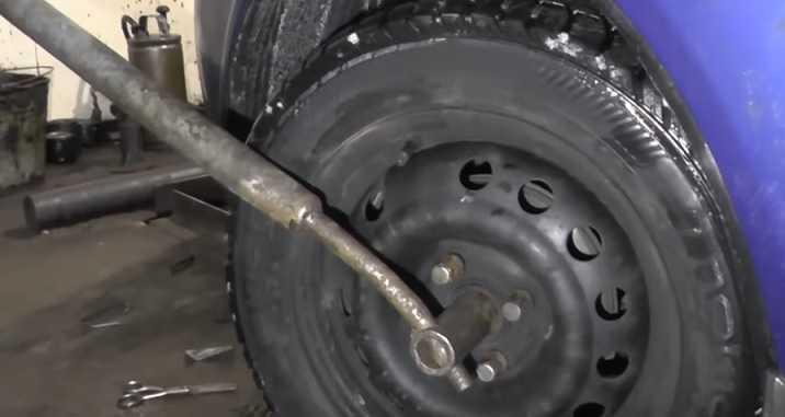 Шевроле Авео (Chevrolet Aveo) замена шруса своими руками
